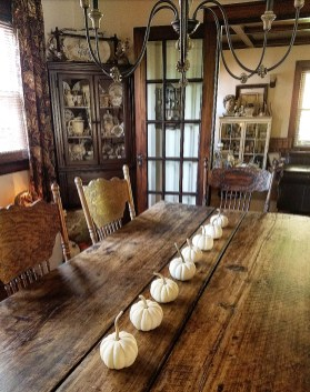 Charming Home Fall Decorating Ideas With Farmhouse Style02