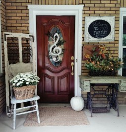 Charming Home Fall Decorating Ideas With Farmhouse Style31