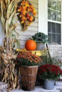 Charming Home Fall Decorating Ideas With Farmhouse Style37