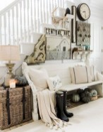 Charming Home Fall Decorating Ideas With Farmhouse Style41