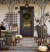 Stylish Wicked Halloween Porch Decorating Ideas On A Budget16