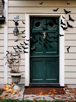 Stylish Wicked Halloween Porch Decorating Ideas On A Budget33