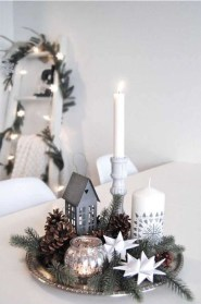 Adorable Christmas Decorations Apartment Ideas44