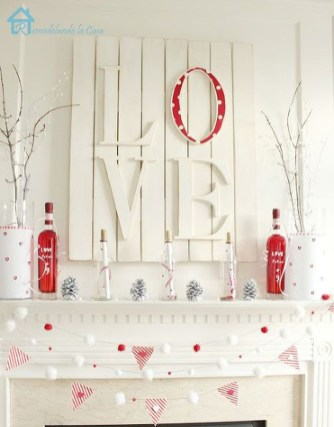 Affordable Outdoors And Indoors Signs Ideas For Valentines Day26