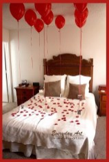 Cozy Bedroom Decorating Ideas For Valentines Day09