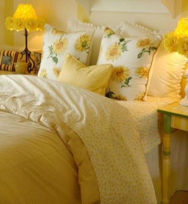 Perfect Yellow Bedroom Decoration And Design Ideas25