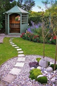 Pretty Front Yard Landscaping Ideas20