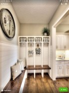 Awesome Mudroom Entryway Decorating Ideas34