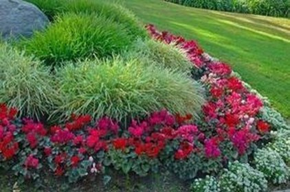 Comfy Low Maintenance Front Yard Landscaping Ideas25