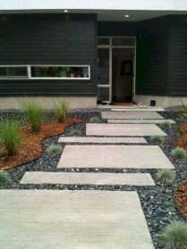 Comfy Low Maintenance Front Yard Landscaping Ideas26
