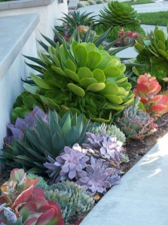 Comfy Low Maintenance Front Yard Landscaping Ideas29