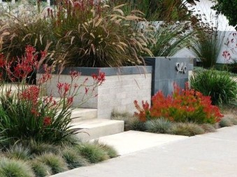 Comfy Low Maintenance Front Yard Landscaping Ideas35