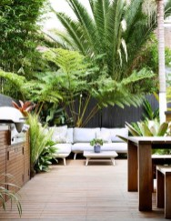 Wonderful Tropical Landscaping Ideas For Garden30