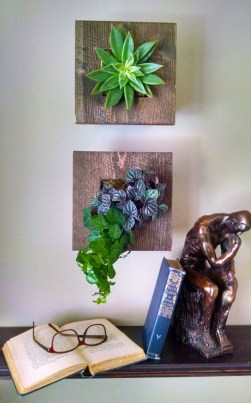 Cute Living Wall Décor Ideas For Indoor And Outdoor07