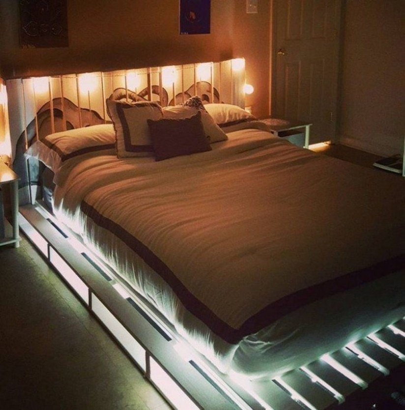 Unordinary Recycled Pallet Bed Frame Ideas To Make It Yourself12