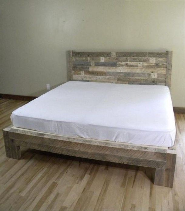 Unordinary Recycled Pallet Bed Frame Ideas To Make It Yourself17