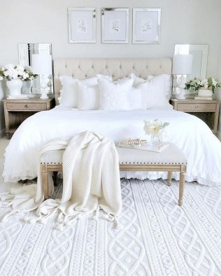 Awesome Bedroom Rug Ideas To Try Asap09