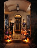 Awesome Scary Halloween Porch Ideas To Try Today20