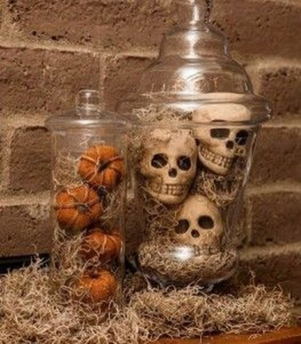 Casual Halloween Decorations Ideas That Are So Scary04
