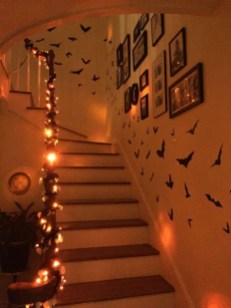 Casual Halloween Decorations Ideas That Are So Scary08
