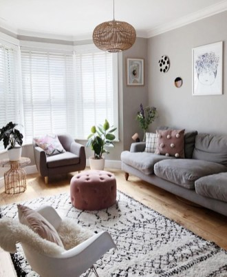 Comfy Living Room Decor Ideas To Make Anyone Feel Right At Home03