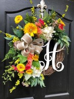 Pretty Wreath Decor Ideas To Hang On Your Door03