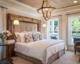 Spectacular Farmhouse Master Bedroom Decorating Ideas To Copy15