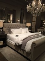 Cute Chandeliers Decoration Ideas For Your Bedroom32