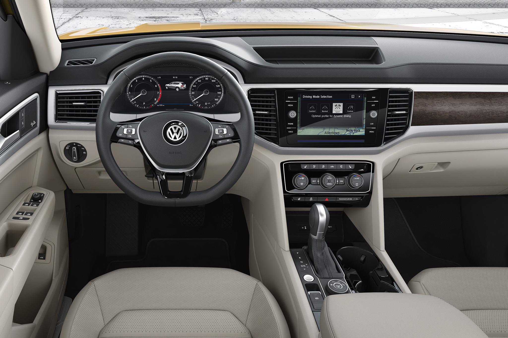 2018-Volkswagen-Atlas-dashboard