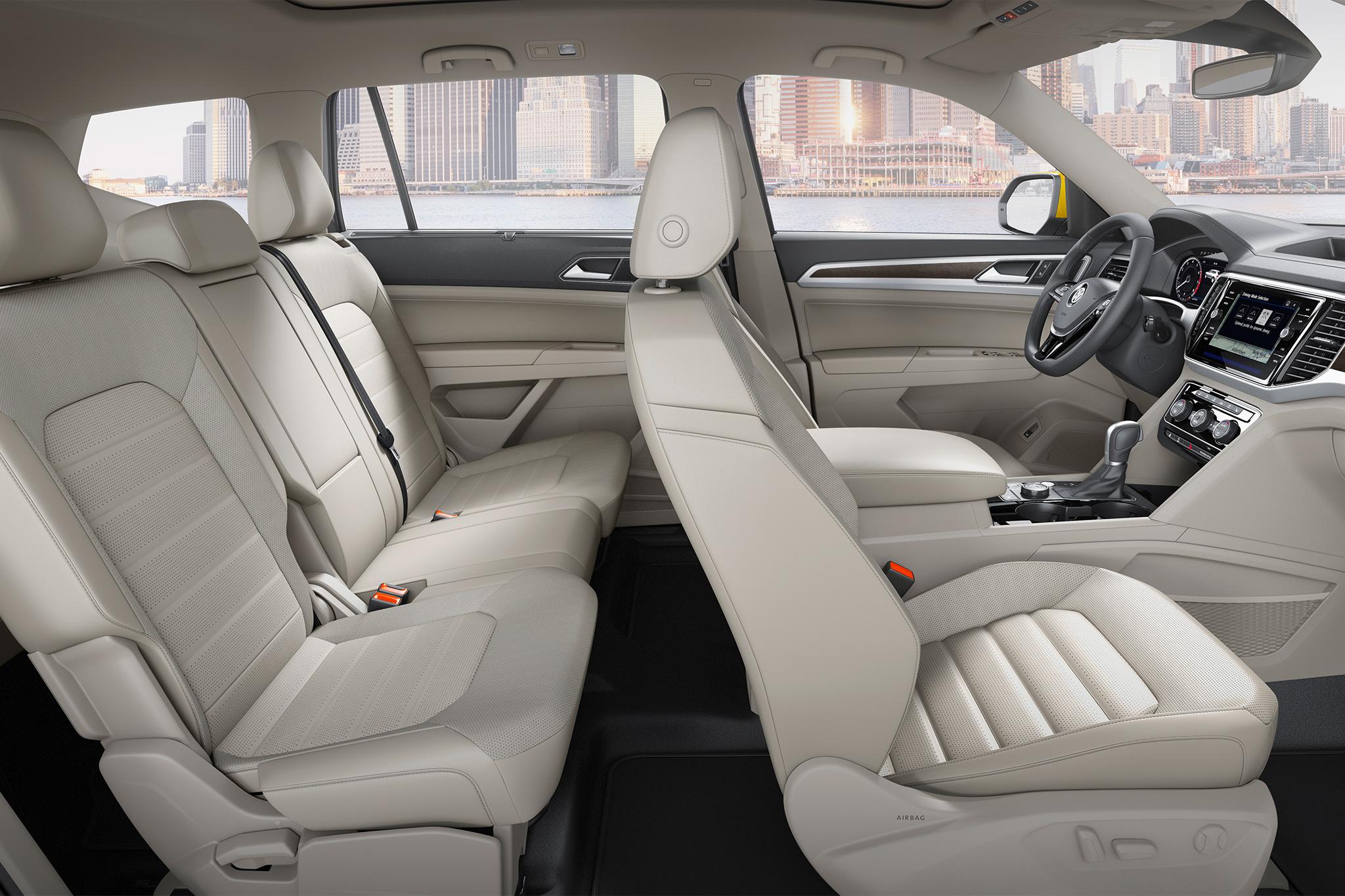 2018-Volkswagen-Atlas-interior-overview