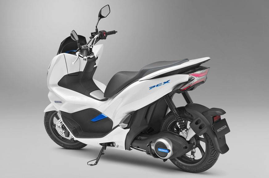 Power scooter Honda PCX Showcased In India to pick dealers