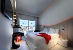 Hotel room_2