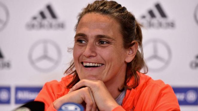 nadine angerer, Top 10 Greatest Female Soccer Players In The World 2017