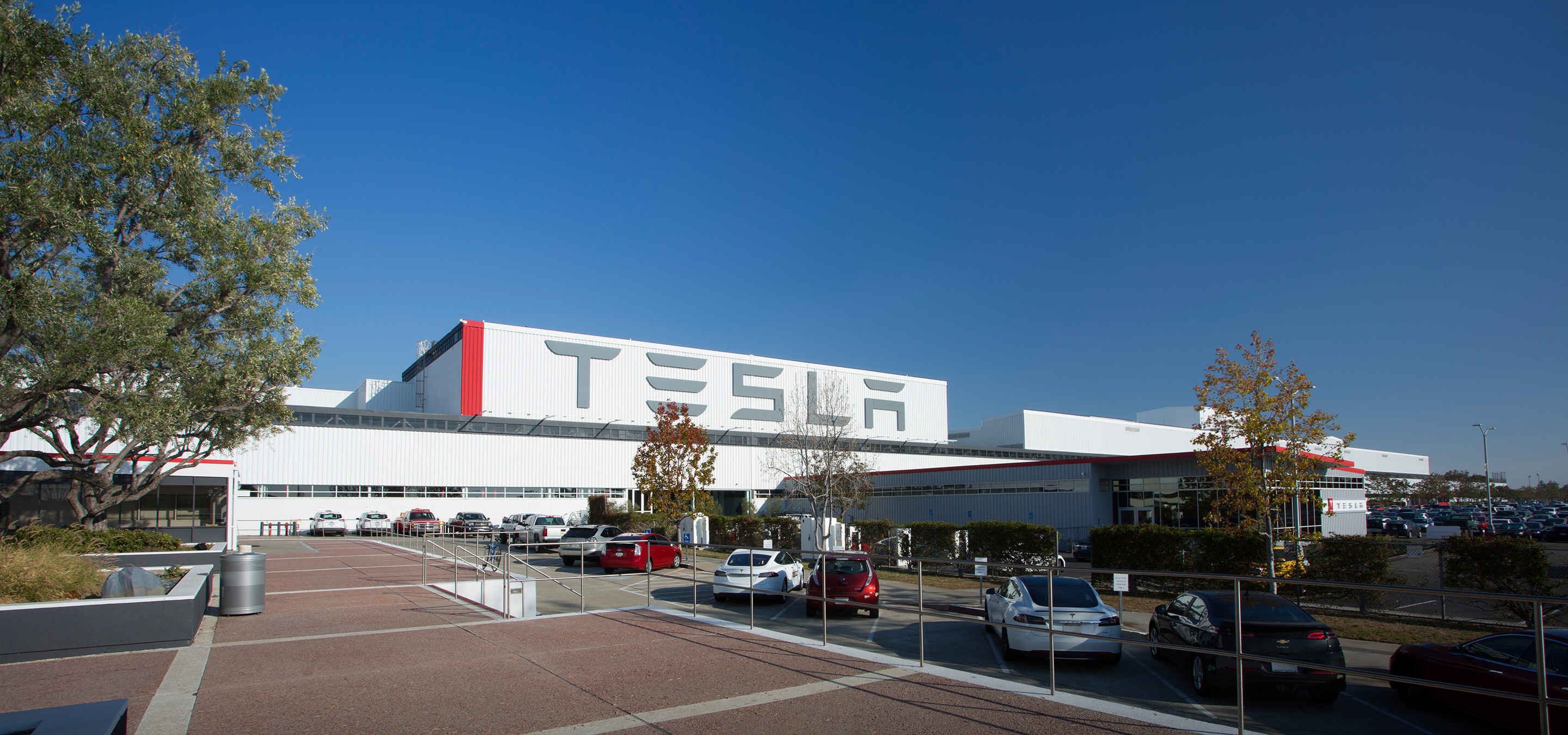 """Tesla Attempts to Go """"All American"""" With the Model 3"""