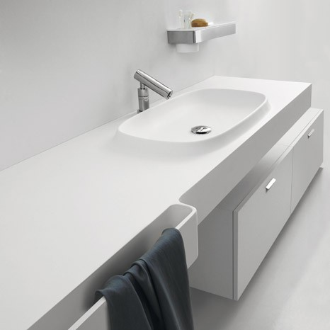 Integral sink countertop from Agape - Desk
