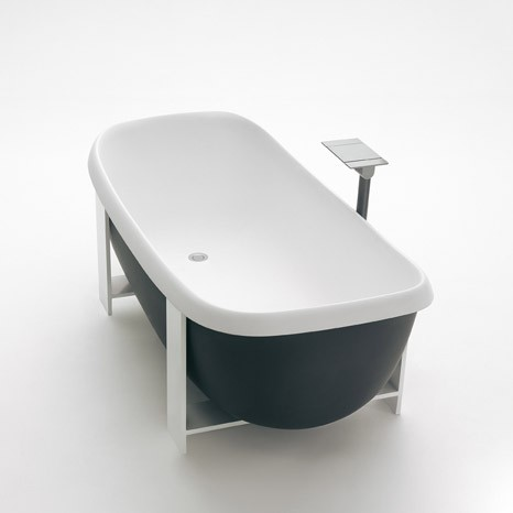 Suspended tub from Agape - Pear Cut VAS914