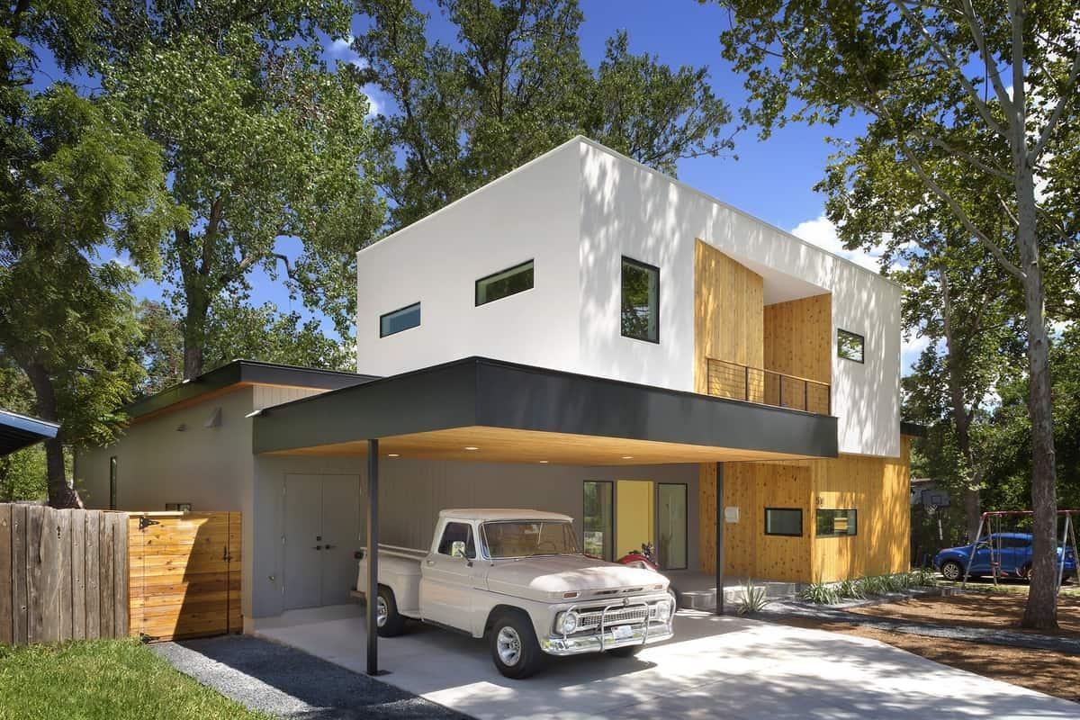 Bold And Modern U Shaped Courtyard House Designed Around