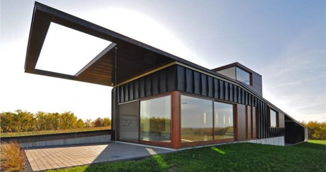 5 Futuristic Home Designs - 33rd Square