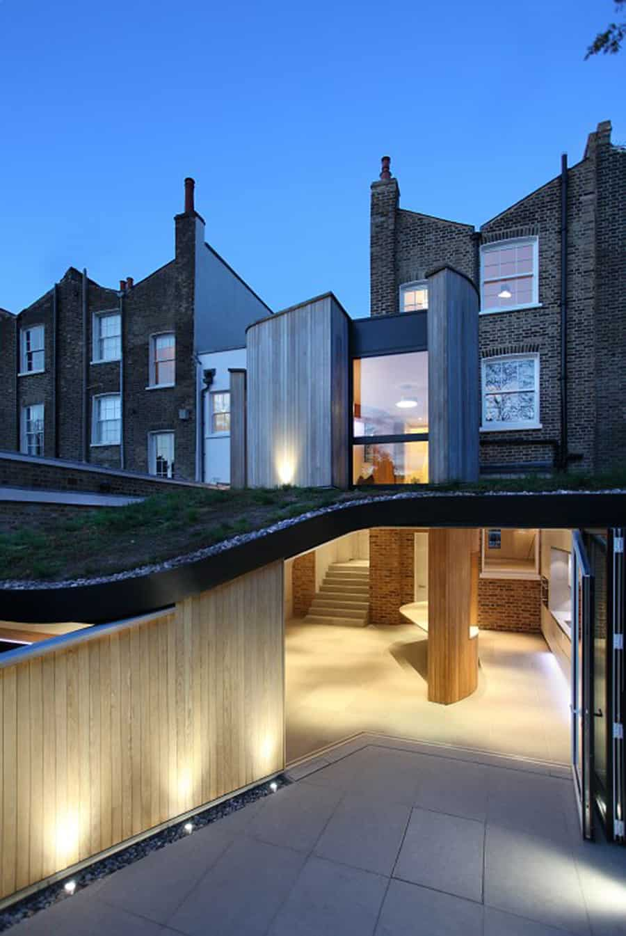 Victorian Home In London Gets Curvaceous Bodacious