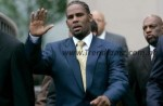 """E! News: R Kelly Reportedly Banned From Visiting His """"Studio Freely"""""""