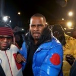 E! News: Singer, R. Kelly Charged With 10 Counts Of Sexual Abuse In Chicago