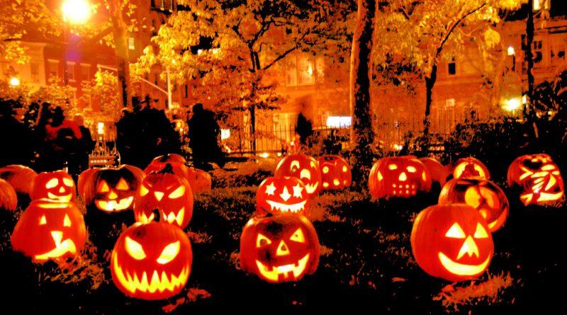 Halloween 2018 - Halloween Movies Ideas - How to celebrate Halloween