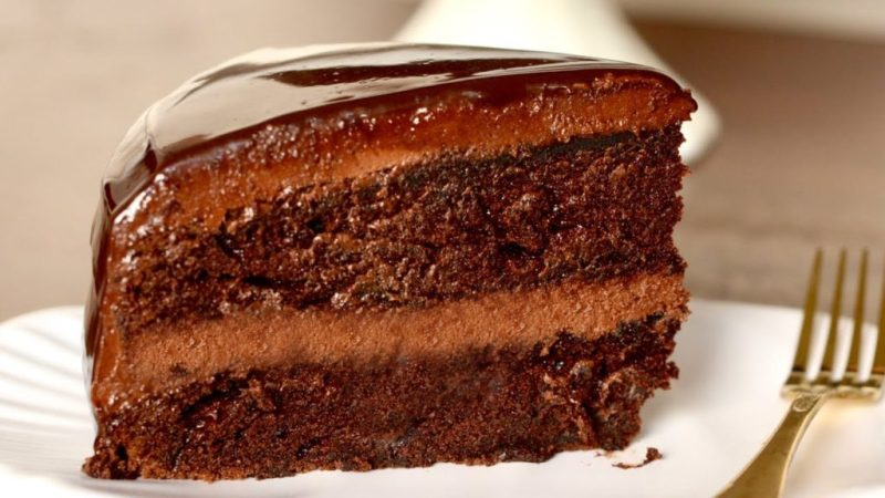 How to make soft chocolate cake at home