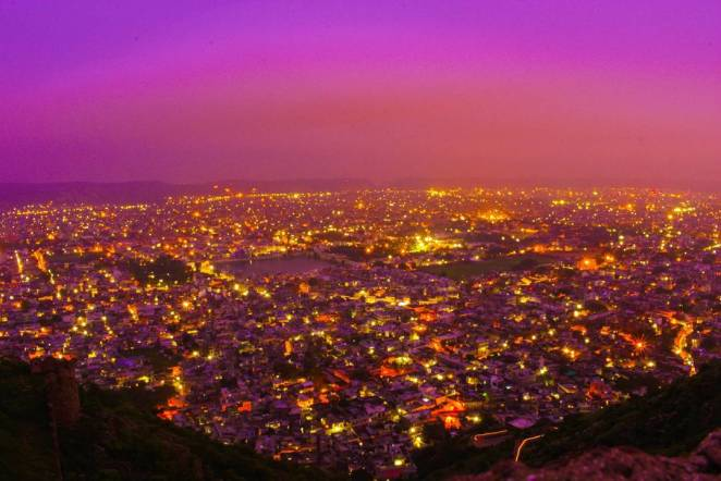 Experience the Dazzling Nightlife of Jaipur