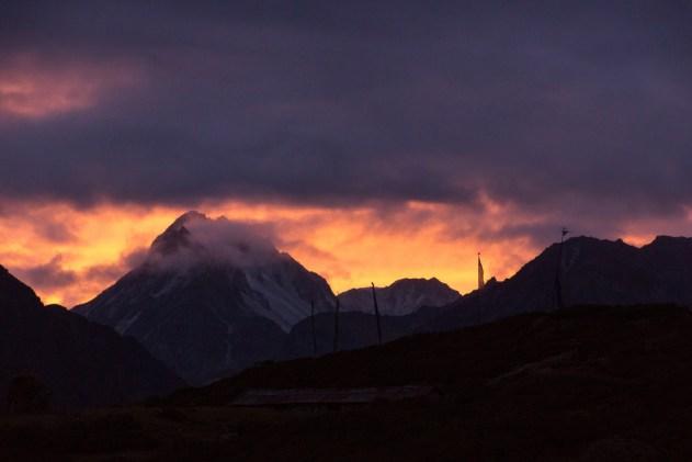 Dzongri sunset