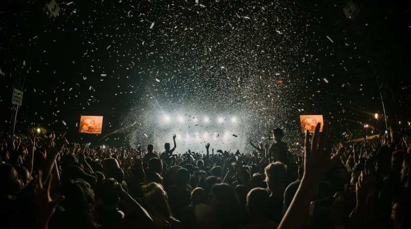 Things to Look At when Booking Festival Tickets Online