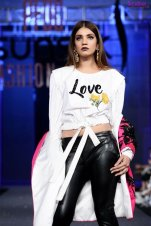 Sana Safinaz New Collection at PSFW17 - Photo 10