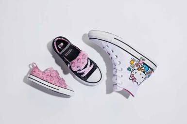 SP19_CTAS_HELLO_KITTY_UNISEX_MIXED_GROUP_194629F_664636F_764633F_PRODUCT_0005