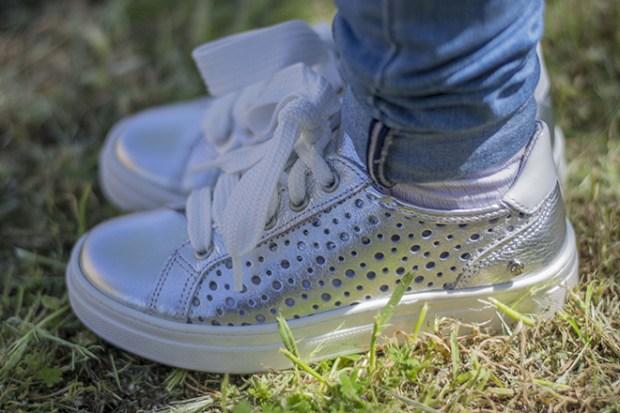 sneakers melania