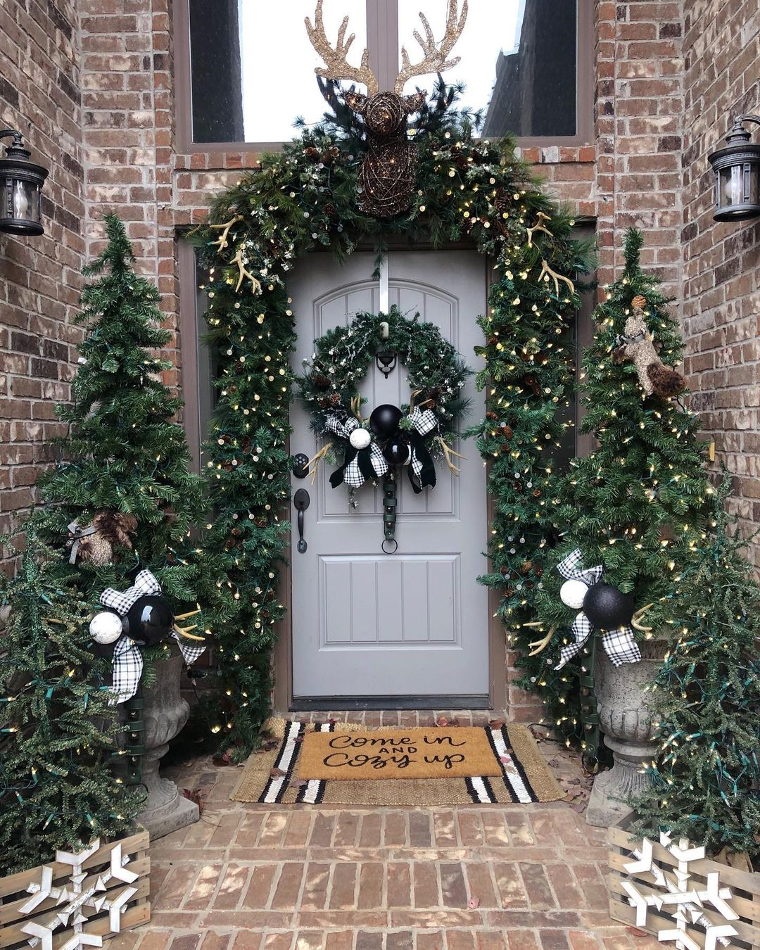 Winter-front-porch-decor